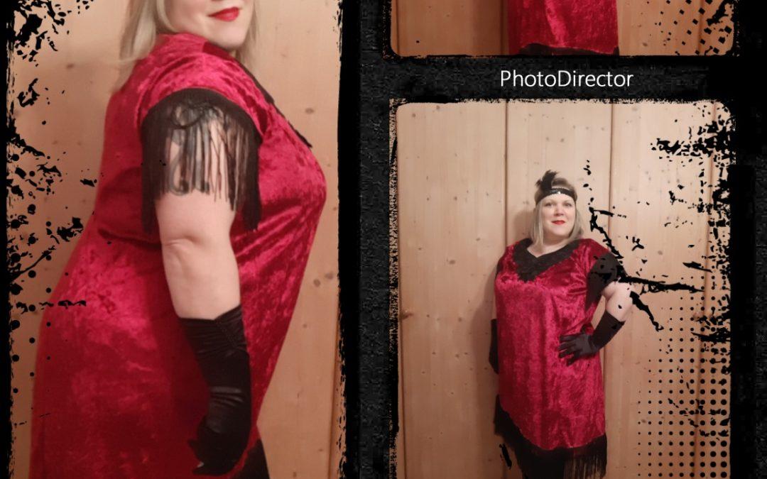 Charlston Kostüm aus Etuischnitt